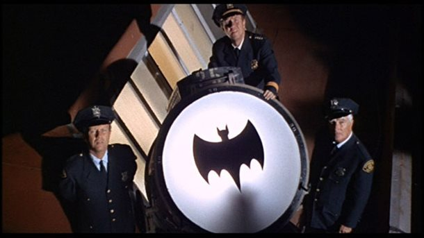 8206.bat signal.jpg-610x0